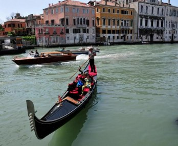 Afternoon in Venice & Gondola Ride