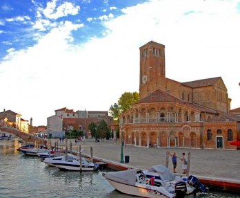 Three Islands Boat Tour of The Venetian Lagoon: Murano, Burano, Torcello